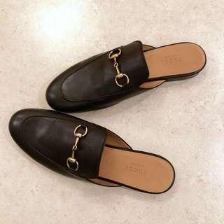 Gucci leather slipper
