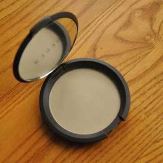 Becca Perfect Skin Mineral Powder Foundation in Shell