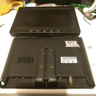 兩個高解像度 7吋led 顯示器 AV VGA輸入 屏幕沒有破 應該可亮屏  當壞的出