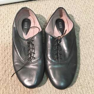 Bloch silver Oxford shoes size 38.5