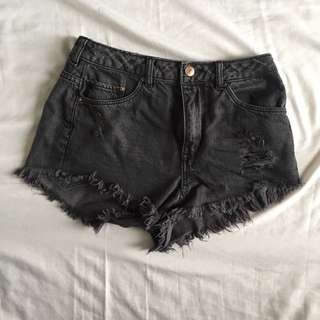 HnM Short High Waisted Jeans