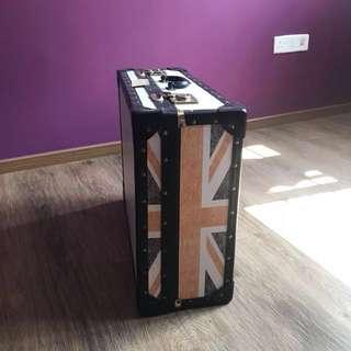 Vintage Union Jack Luggage 🇬🇧