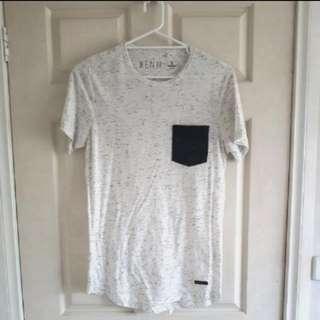 Kenji White Tshirt w/pocket