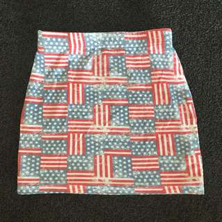 Fitted mini skirt - small