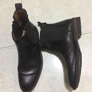 Sepatu Boot Chelsea ZARA