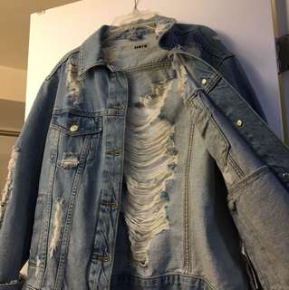 TOPSHOP ripped jean jacket