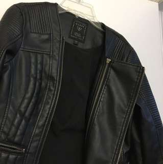 Chic Guess double zipper leather jacket