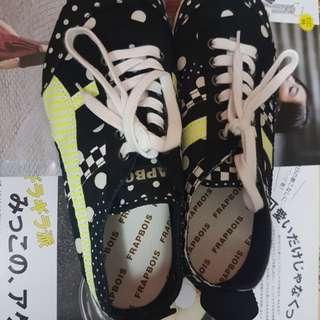 日本Frapbois 黑色白波點綠間條鞋