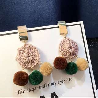 🚚 🌟韓流氣質款編織毛球耳環