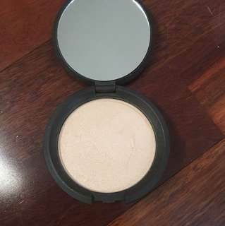 BECCA Shimmering Skin Perfector Moonstone Highlighter