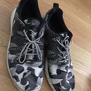 Nike Roshe' run camo
