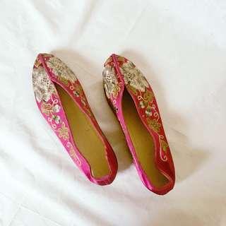 繡花鞋24號 全新