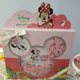 New born Disney Baby gift set