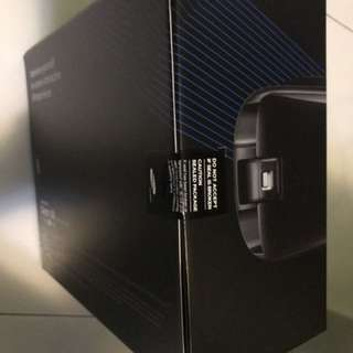 Samsung VR with remote.