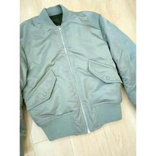 Uniqlo 2016斷貨款在這裡 加厚款MA1 飛行外套 夾克 比羽絨暖 經典灰綠色 女裝s 短大衣 灰色 棒球外套
