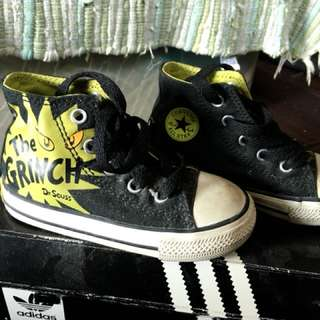 All star converse the grinch
