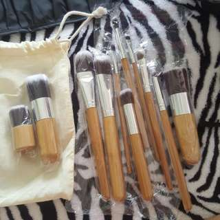 11 Makeup Brush set with pouch and brush holder
