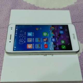 ASUS padfones 5吋 四核心智慧型手機 1920x1080 FULL HD