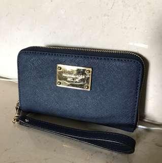 🚚 Micheal Kors 手機皮夾(深藍)