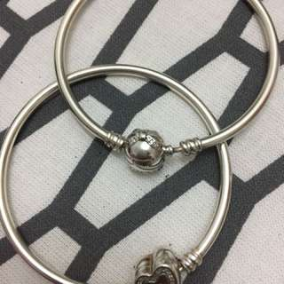 Pandora bangle size 17cm