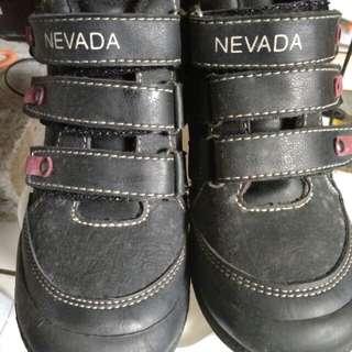 Sepatu anak nevada no. 30