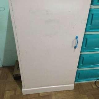 3 piece wooden cabinet