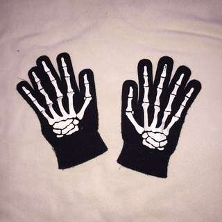 Knitted Skeleton Gloves