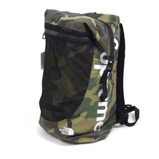 Supreme x the north face waterproof backpack (camo)