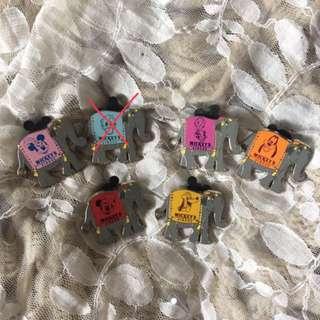 廸士尼 公仔徽章一套5個 pins