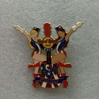 Hard Rock Cafe Pins ~ OSLO HOT & RARE 2012 4TH OF JULY INDEPENDENCE DAY DUAL GIRLS WITH GUITAR!