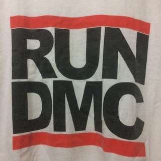 Ts RUN DMC Vtg logo sz L made in Honduras  (P77:L58(9/10)