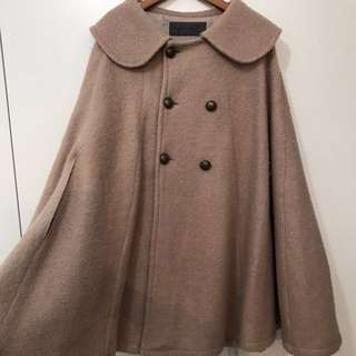 Stylish warm cape jacket