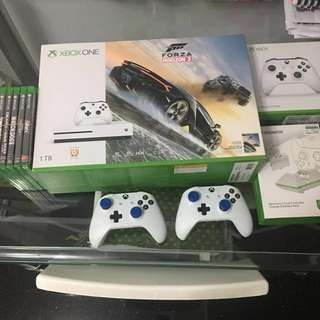 Xbox one s 1TB Games Bundle Ultimate gaming console