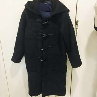 重磅保暖全黑連帽牛角扣長版大衣