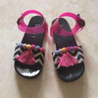 Tassel/pompom flat sandals