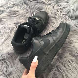Nike Air forces size 8 women's