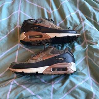 Women's Nike air max rose gold