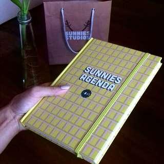 Sunnies Agenda (2018 Planner)