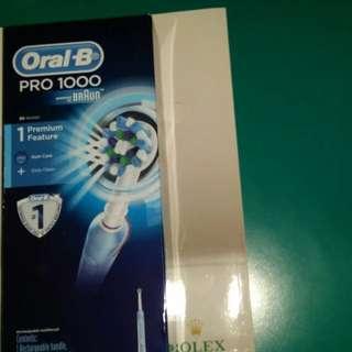 oral B electric toothbrush