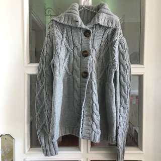 Gap毛衣size 130