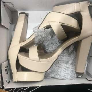 Novo heels nude/beige + BOX