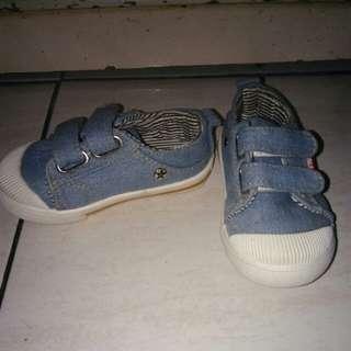 Sepatu bayi denim soft blue