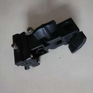 Giveaway Strobe Light Stand Adaptor Mount