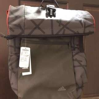 Adidas 男/女用 大容量後背包 原價$1690吊牌還在