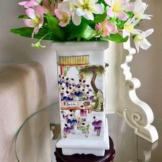 Auspicious 100 Children Vase