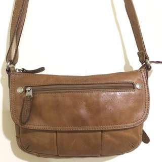 Fossli Leather Slingbag