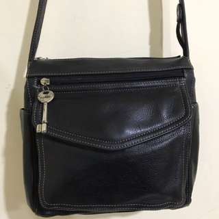 Fossil Leather Slingbag