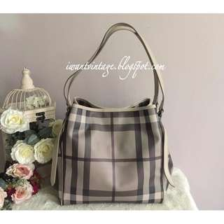 Burberry Smoked Check Canterbury Tote-Trench
