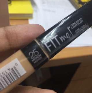 Maybelline fit me concealer 25 Medium Moyen