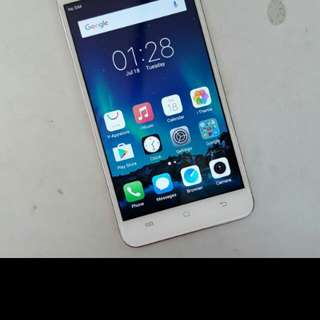 Vivo y55 good condition phone and charger